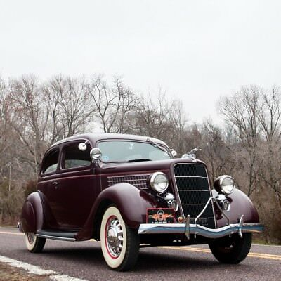 1935 Ford Model 48 Deluxe Tudor Slantback  1935 Ford Model 48 Deluxe Tudor Slantback