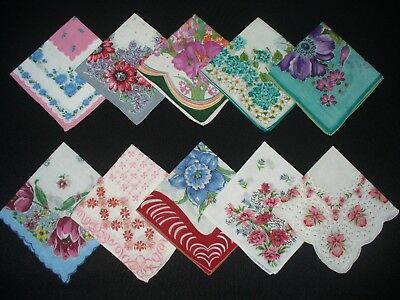 Lot of 30 Vintage Floral & Print Hankies Handkerchiefs Good Condition