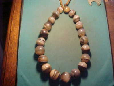 Bargain offer! Necklace of large   islamic banded agate beads 16th-18th century