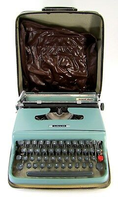 Vintage Aqua Underwood Limited Manual Typewriter & Case - Made In Canada - T5587