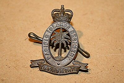 PACIFIC ISLANDS REGIMENT HAT BADGE, 1954-75.  Original/Scarce
