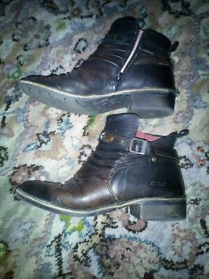 Ladies kickers ankle boots size 5