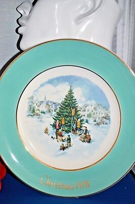 Vintage 1978 Avon ANNUAL CHRISTMAS PLATE SERIES, BY ENOCH WEDGWOOD IN ENGLAND