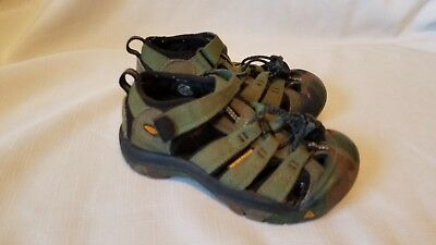 c680c4e7f48c0 KEEN Camo Newport Sandals Boys 11 Youth Kids Hiking Shoes Camouflage Green  Black