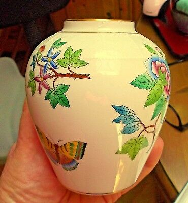 """Herend Porcelain Vase Decorated with Flowers & Butterflies Basket Weave 4.25"""""""