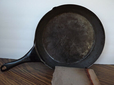 Antique Vintage 10 1/2 CARBON STEEL Cast Iron CHUCK WAGON COWBOY Skillet FRY PAN