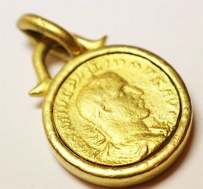 Vintage In Seattle Lot# 259 neat roman gold tone coin pendant