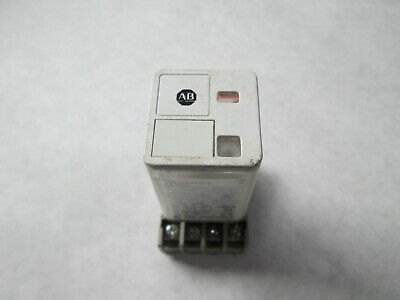 Allen Bradley 700-HA32Z12 Cube Relay With 700-HN125 Base (8 Pin Round, 12 VDC)