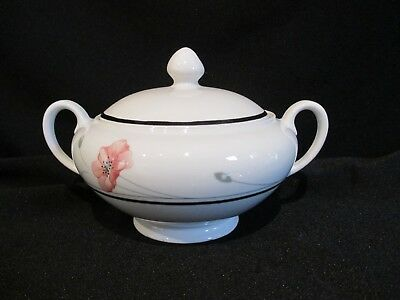 Johnson Brothers - SUMMERFIELDS - Covered Sugar Bowl