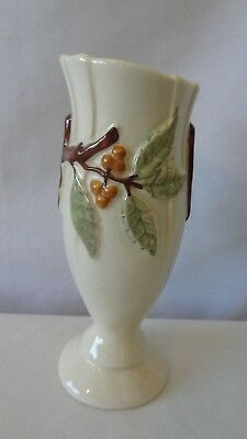 "Bittersweet Leaf Berries and Leave 1945 6 1/2"" Vase #K142."