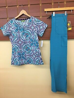 NEW Capri Print Scrub Set With Vera Bradley Small Top & Carhartt Small Pants NWT