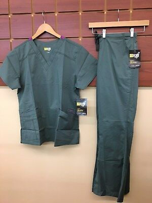 NEW Wink Wonder Flex Sage Solid Scrubs Set With Large Top & Large Pants NWT