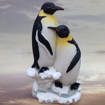 PENGUIN COUPLE LOVE FIGURINE Bird Duo Resin Gift Decor 3