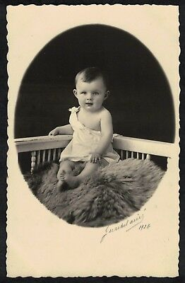 Carte Photo vintage card RPPC Strasbourg ph. Gerschel Ainé bébé qui pose
