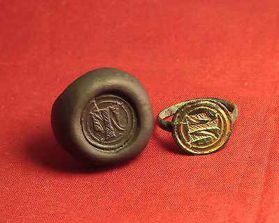 "Medieval Bronze Knight's Gold Plated Seal Ring - 14. Century, ""T"" Monogram"
