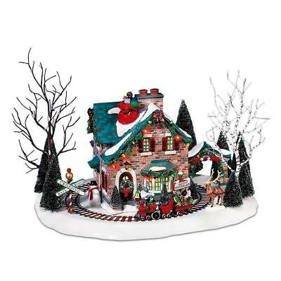 Dept 56 Snow Village- Santa's Wonderland House 55359 Train Moves -Special Lights