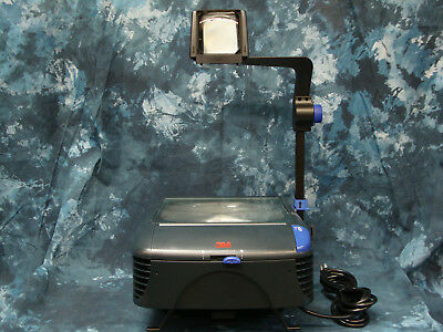 3M 1800 Overhead Projector BJ2.   Spare lamp included!