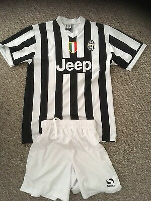 Official Juventus Fc Full Home Kit - #14 Llorente - Small Adult