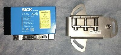 SICK DME5000-113 DISTANCE MEASURING DEVICE NOS Includes 2027721 Mounting Plate!!
