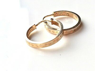 Designer UNOAERRE 9ct Yellow Gold Diamond Cut Pattern Small Hoop Loop Earrings