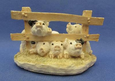 Pigs At The Fence Figurine - Itty Bitty Gallery 1987