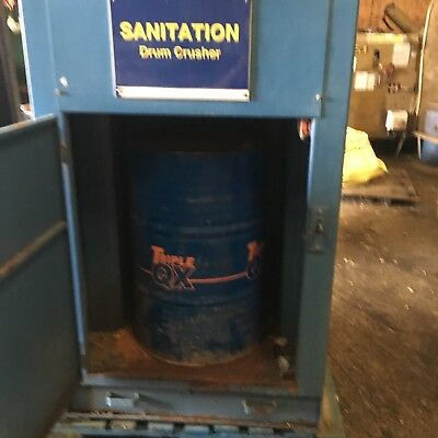 40 Gallon, 205 Litre, Drum Crusher, Waste Compactor, 10-1 Reduction, Scrap Metal