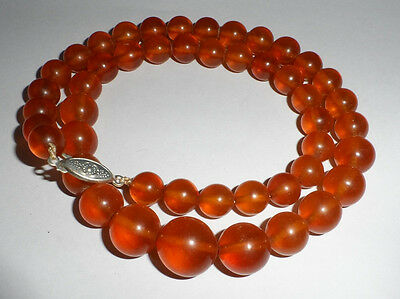 Vintage amber necklace,Spheres of different diameter,Weight of 31,7 grammes