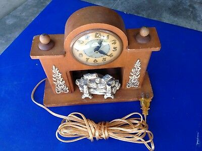 Vintage United Self Starting Fireplace Clock from 1950s.3lbs,50z,10.5x9x3 inch.