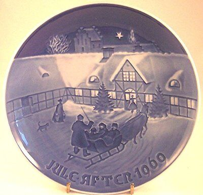 Bing & Grondahl Arrival of Christmas Guests Collector Plate, 1969