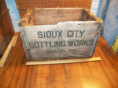 Vintage SIOUX CITY BOTTLING WORKS Wood Crate Box - Sioux City, Iowa