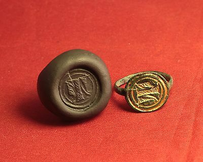 """Medieval Bronze Knight's Gold Plated Seal Ring - 14. Century, """"T"""" Monogram"""