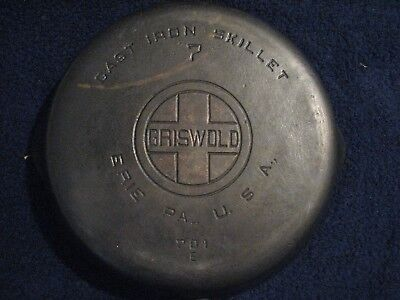 Vintage Griswold Cast Iron # 7  701 E Large Block Logo Skillet Nice condition