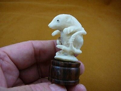 (tb-rat-3) little white walking Rat Tagua NUT palm figurine Bali carving rats