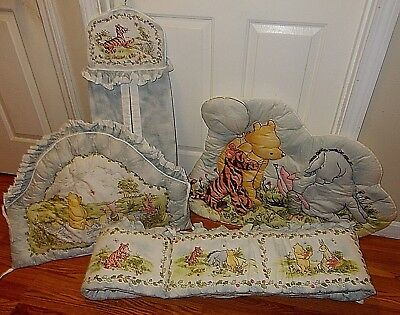 Vintage 1996 WINNIE THE POOH 4 PC Crib Set Red Calliope Bumpers Wall hanging