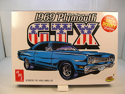 1969 Plymouth Gtx Dirty Donnys Edition Amt 1:25 Scale Plastic Model Car Kit