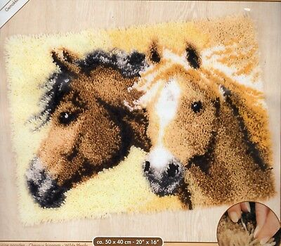 HORSE DUO LATCH HOOK RUG KIT by VERVACO, BRAND NEW