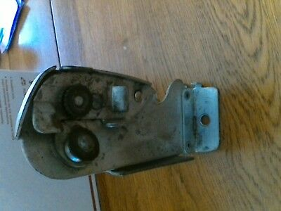 Wall mount can opener Discutter Holbeck St. Louis MO MFG. Vintage