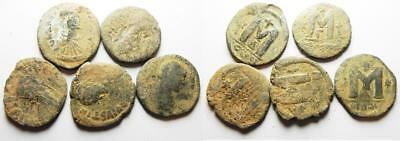 ZURQIEH -as8064- BYZANTINE EMPIRE. LOT OF 5 BRONZE FOLLIS COINS.