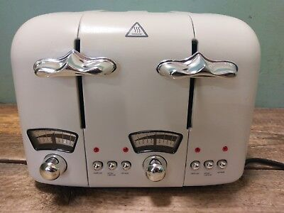 DeLonghi Classic CT04-E 4 Slice Toaster Cream *Working*