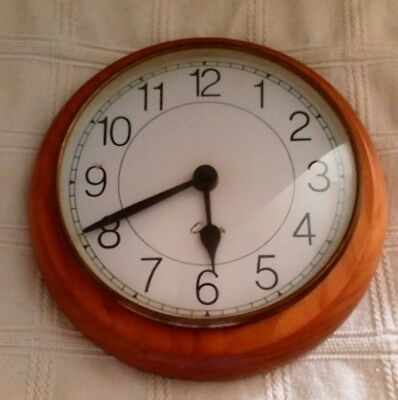* Quartz Wall Clock Old But Keep,s To Time Solid Wood Surround*
