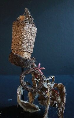 "Old collectible Sepik ""love charm"""