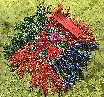 HUNGARIAN 1920s ART DECO SILK DOILY~MATYO FLORAL EMBROIDERIES~LONG FRINGES~MINT