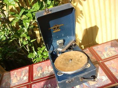 Columbia  Portable Gramophone Number 100  Come With MELTROPE Sound Box