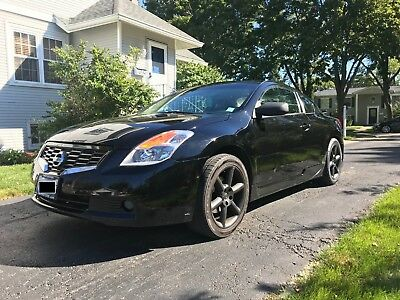 2009 Nissan Altima  2009 Nissan Altima 2.5S Coupe - Sunroof, Leather, Heated Seats, Drives Great
