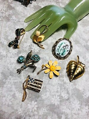 Vintage Lot of SEVEN 7 Goldtone Multi floral and other Style Pins    M