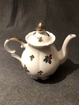 Vintage Lefton China Christmas Holly Leaves & Berries 5 cup Teapot & Lid #7948