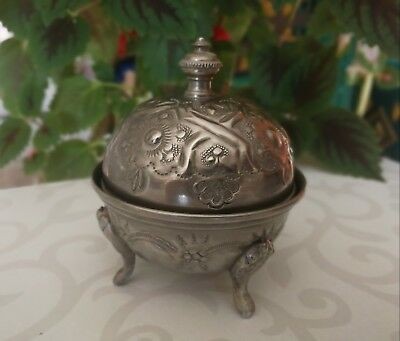 Vintage Metal Silver-Plated Candy Bowl Dish Three Legs Engraved Decoration