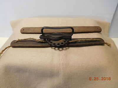 Antique Ratcheting Cast Iron & Wood Adjustable Book Carrier Holder One Room Scho