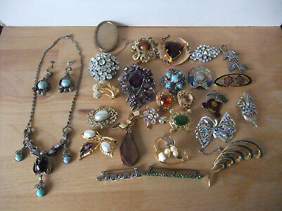 Job Lot of 25 Mostly Vintage Brooches plus 1 Vintage Necklace/Earring Set