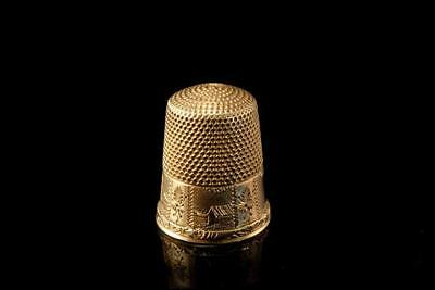 Antique 10K Yellow Gold Engraved House Scene Thimble  A53324